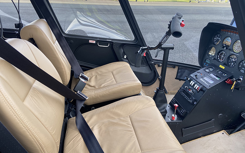 R44 helicopter front seat & panel